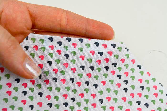 cucire bordi bandana cane